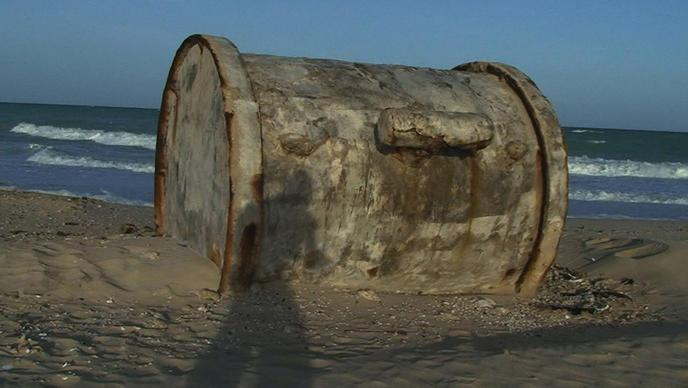 Un baril de déchets toxique retrouvé sur la plage