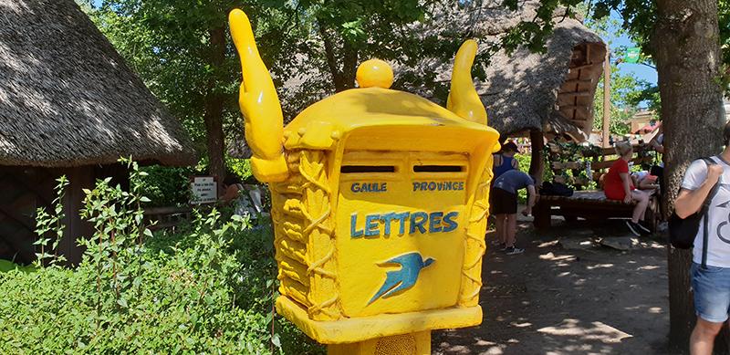 boite aux lettres parc asterix