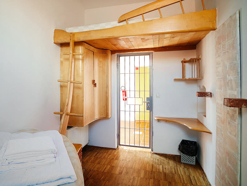 Dormir dans une ancienne prison en Slovénie