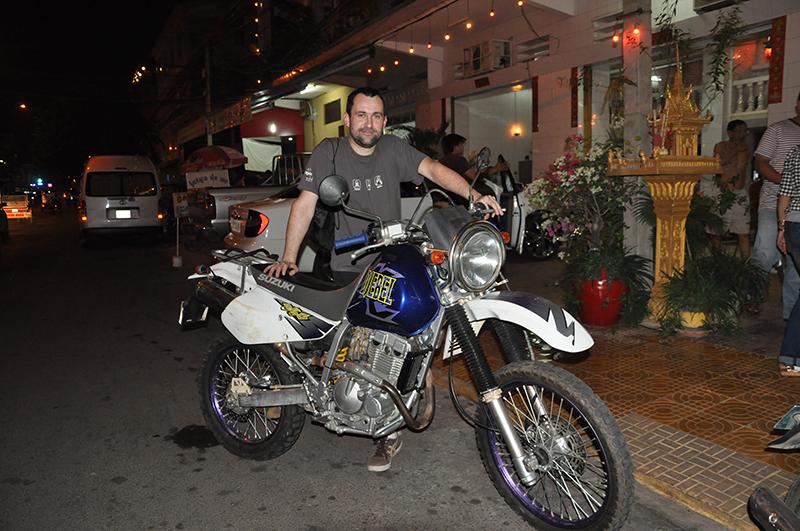 louer une moto au Cambodge