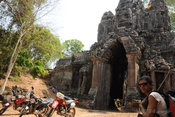 moto à angkor