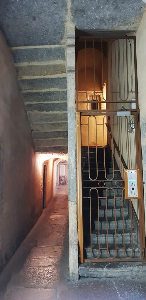 escalier vieux lyon traboule